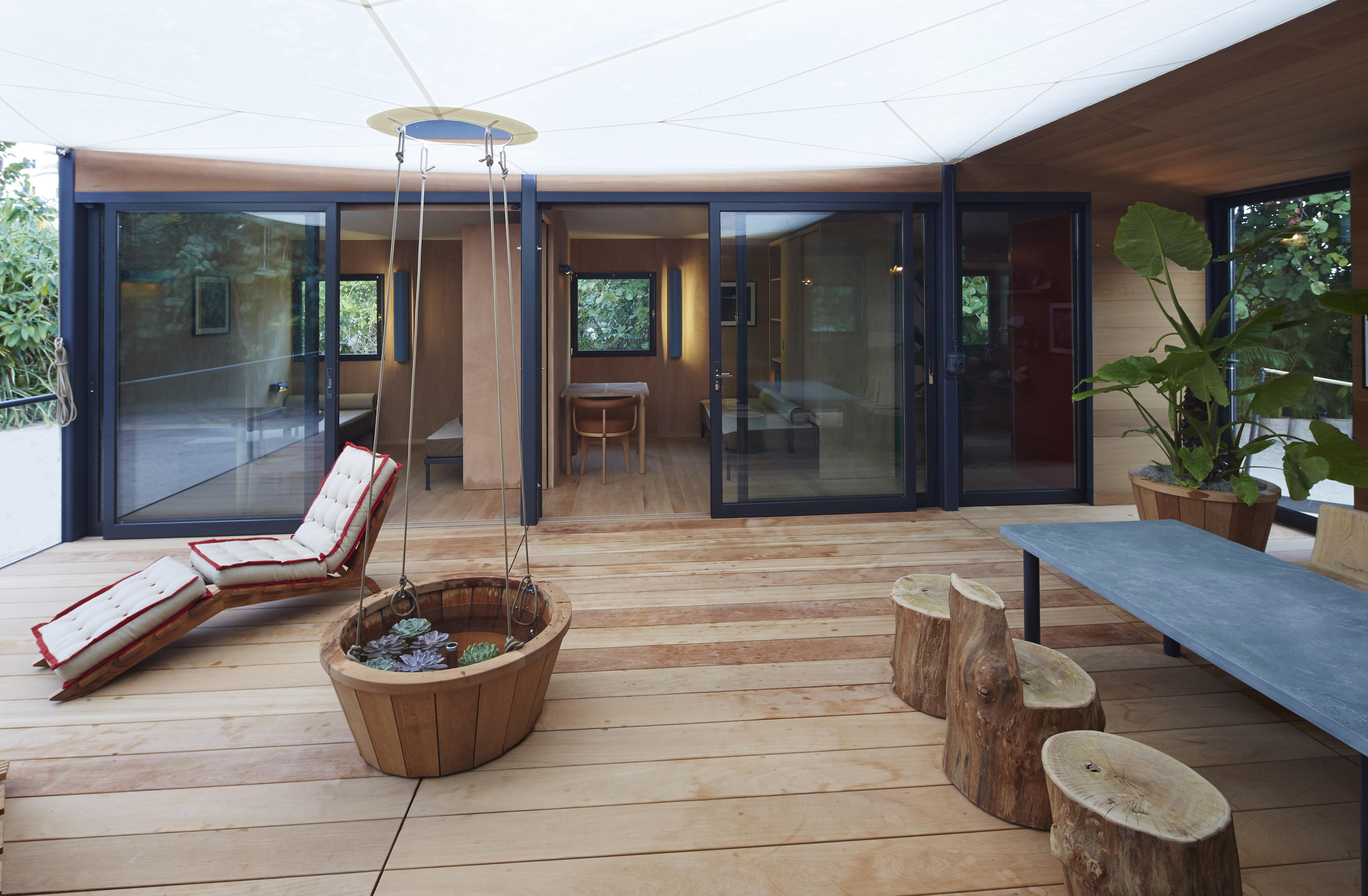 la maison au bord de l 39 eau at design miami. Black Bedroom Furniture Sets. Home Design Ideas