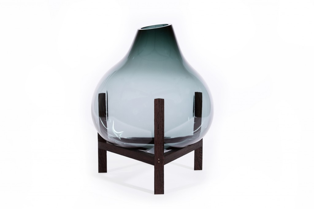 Smoke Triangle Vase by Studio & Thier Van Daalen, Dutch Creative Industries