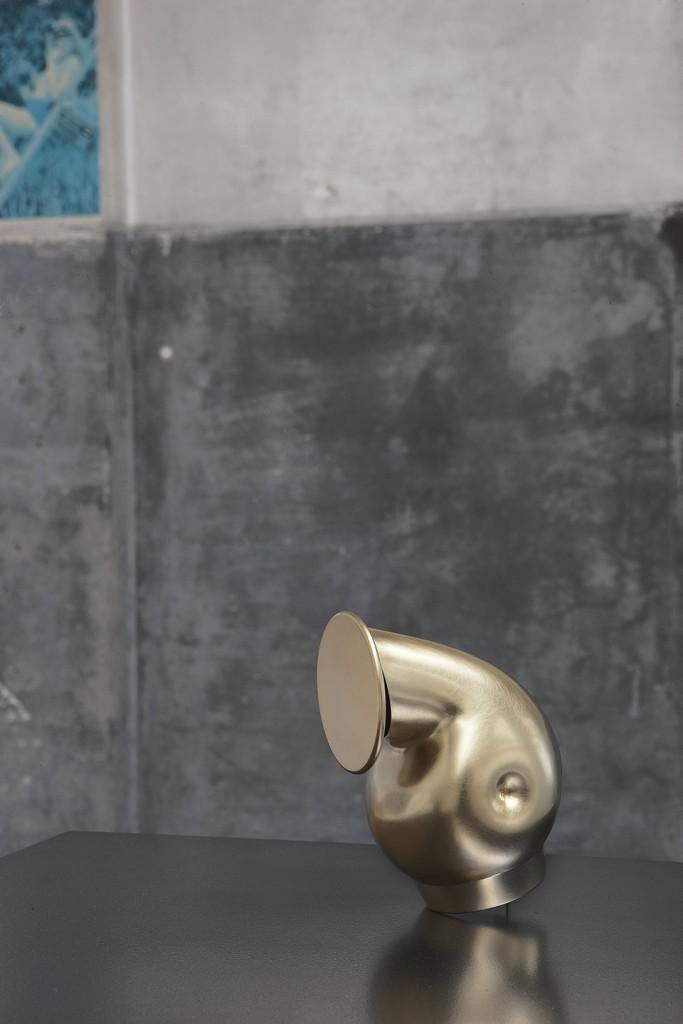 Aldo Bakker. Pivot (2014) for Karakter Copenhagen. Gold plated, 100% fine silver. Production Jan Matthesius. Photo / copyright Erik et Petra Hesmerg.