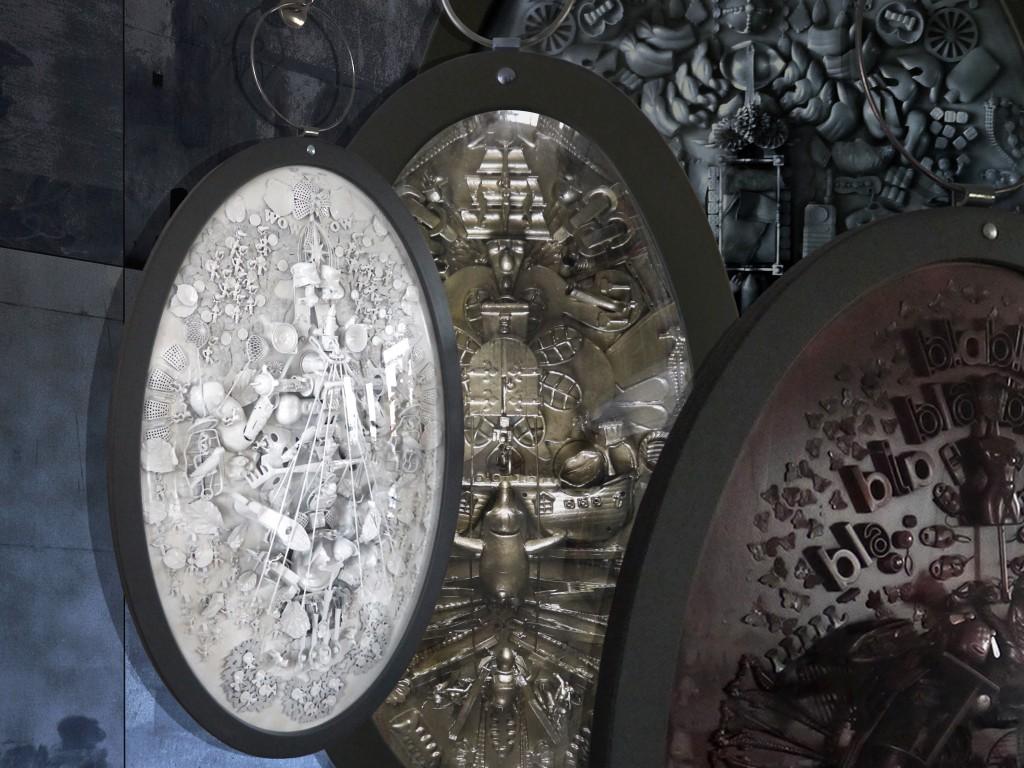 Medallions NY9 by Carina Wagenaar