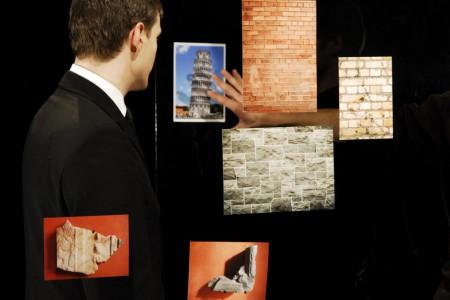 Aurélien Froment, Théâtre de poche [Pocket Theater], 2007 (still). HD video, sound, color; 12:27 min. Courtesy Marcelle Alix, Paris and Motive Gallery, Brussels. Photo: Aurélien Mole