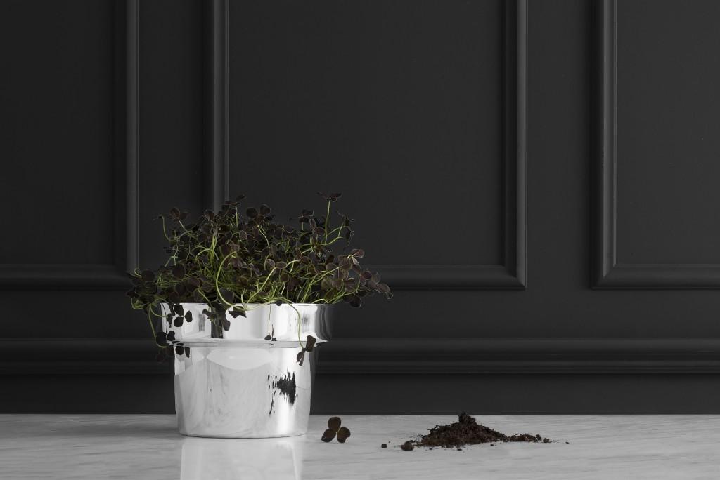 Monica Förster (SE), Flower Pot, Small, silver plated produced through metal spinning, cm 14H x 19Ø, ed. by SKULTUNA (SE), 2016. ©Skultuna