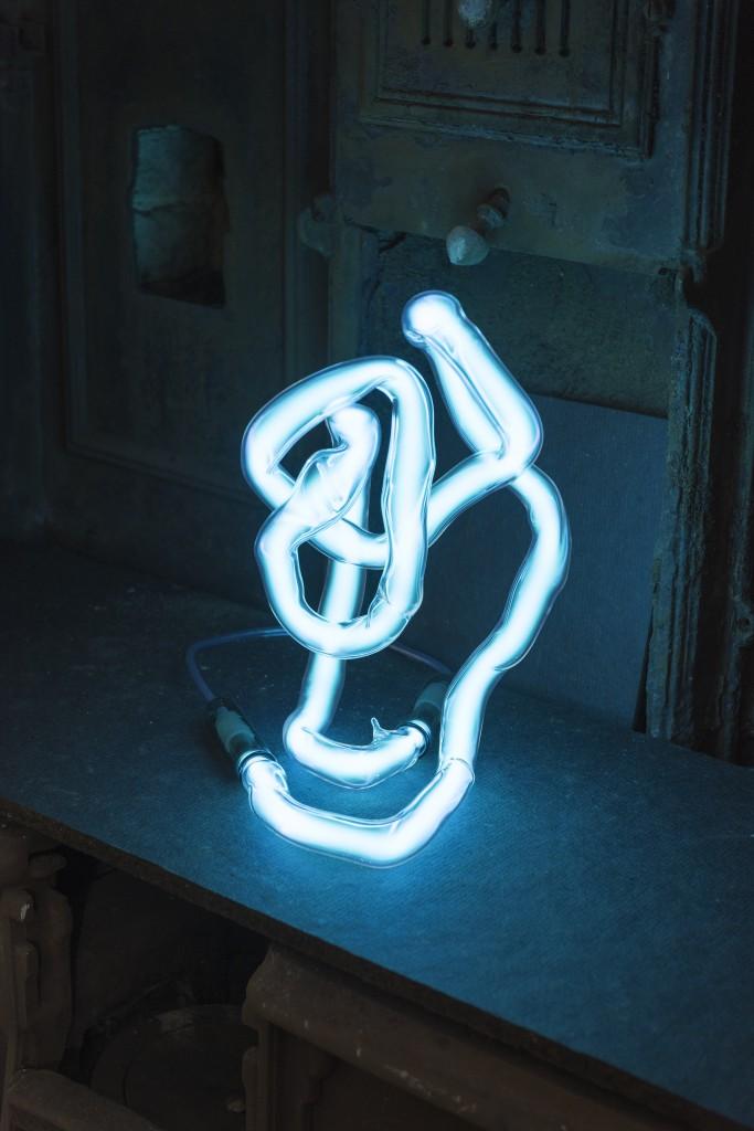 Neon table light by Jochen Holz