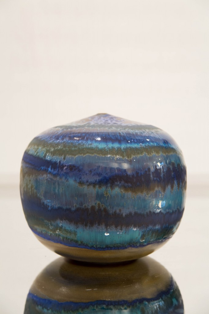 Pot bleu: dimensions 20 x 80 cm / 2010