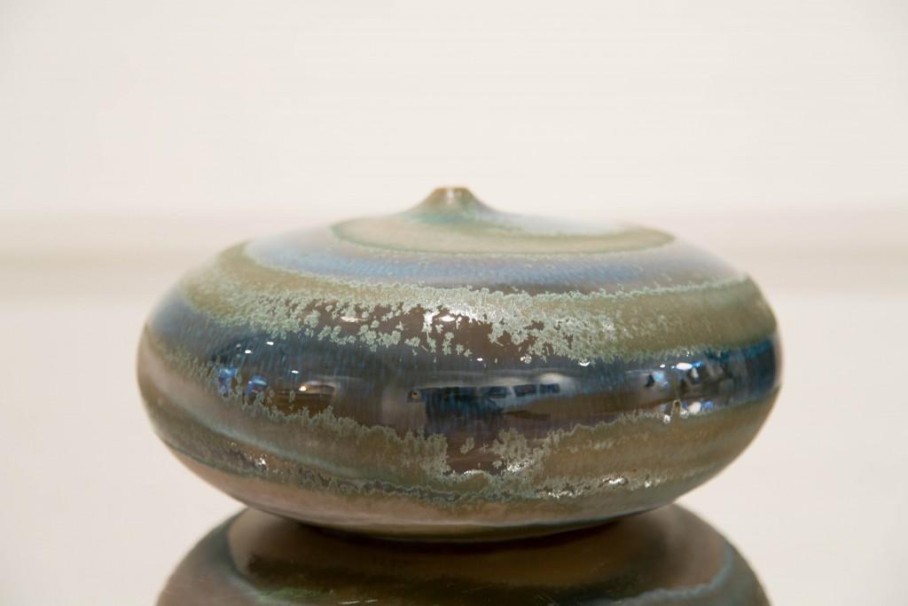 Pot plat bleu: dimensions 13 x 90 cm / 2010