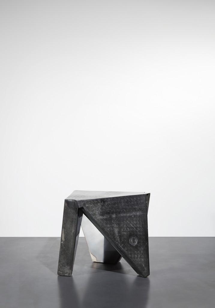 DE COTIIS_DC 1710 (Side Table)_01 -¬Kasia Gatkowska