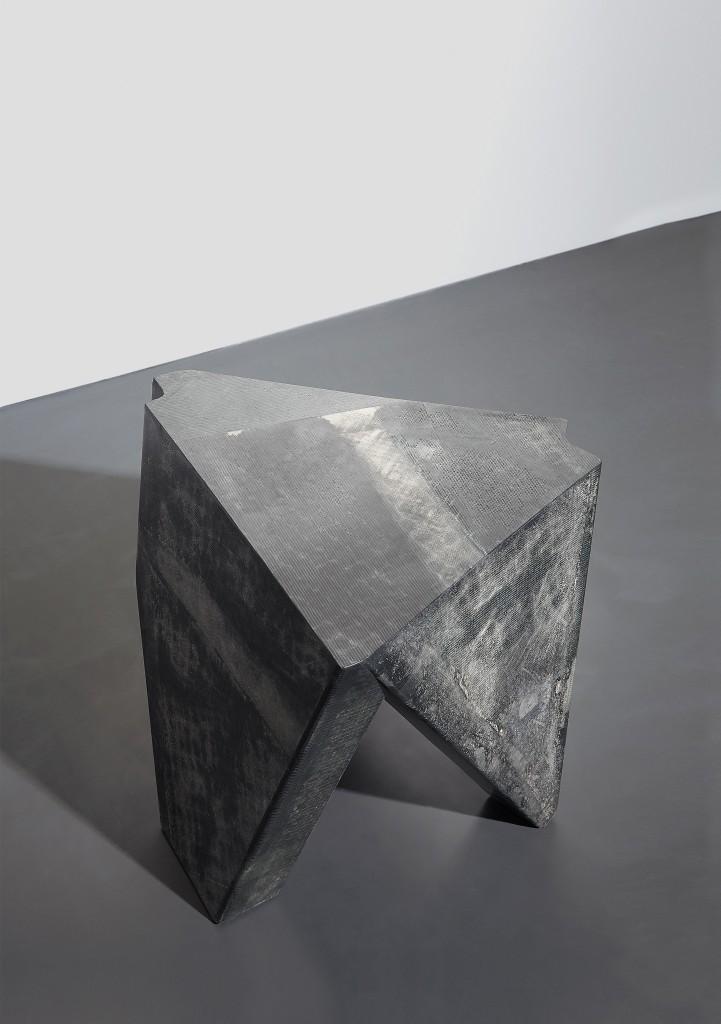 DE COTIIS_DC 1710 (Side Table)_02 -¬Kasia Gatkowska