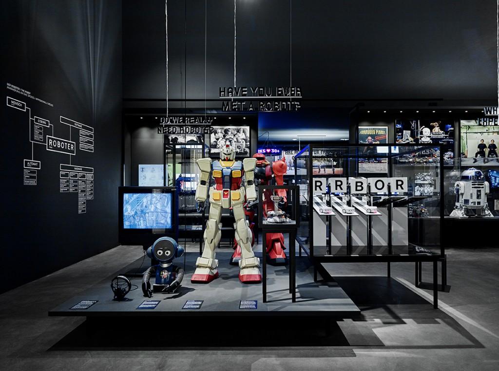 Hello, Robot installation view. Photo: Mark Nierdermann