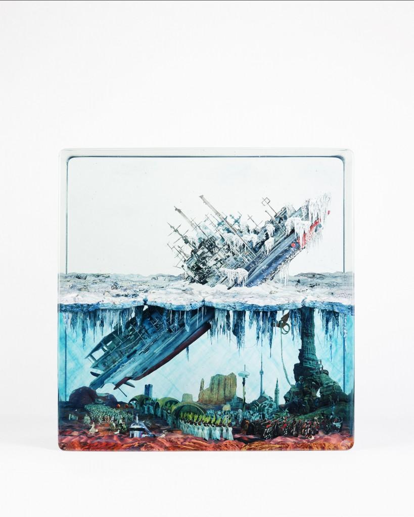 Dustin Yellin, Ice Breaker, 2016, glass, collage, acrylic, 39.4 x 38.4 x 19 cm. Courtesy Dustin Yellin