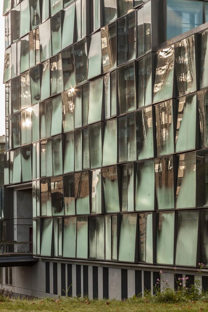 Het Kasteel in Amsterdam by Studioninedots. Photo: Peter Cuypers