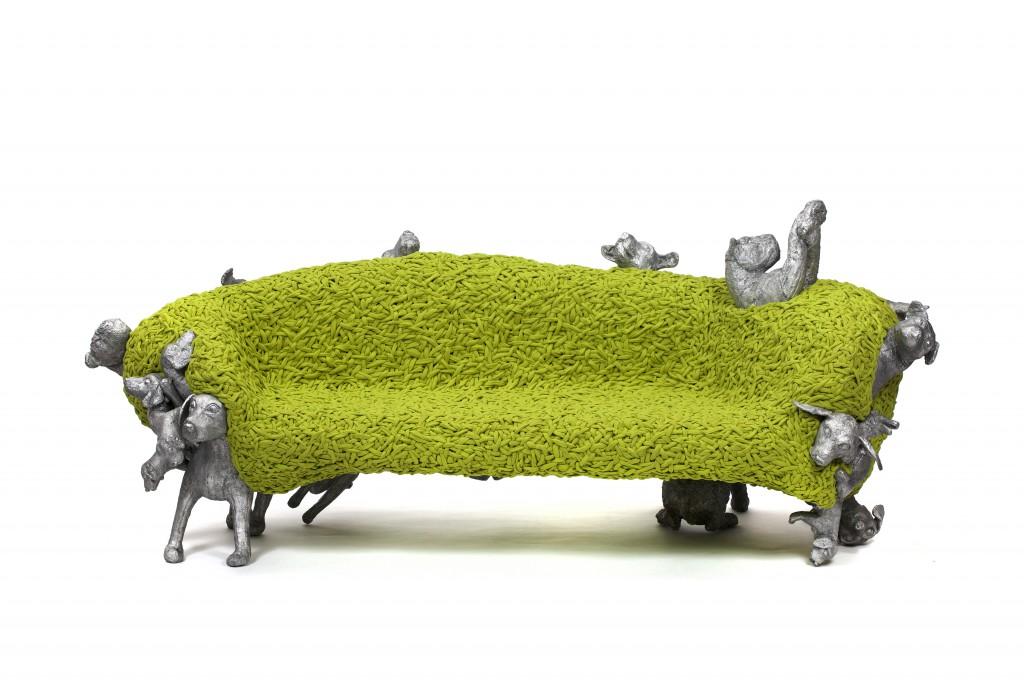 Noah Bench: Cast aluminium, woven fabric, 105 x 256.5 x 107 cm, Photo: Fernando Laszlo