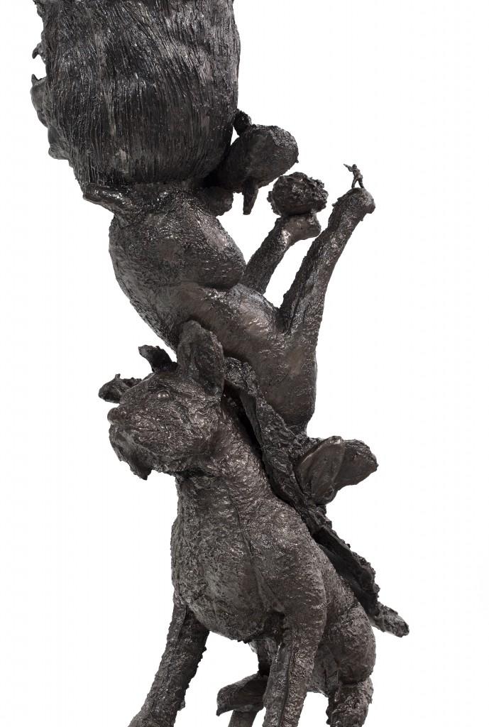 Noah Vase, Cast iron, 137 x 66.5 x 51 cm, Photo: Fernando Laszlo