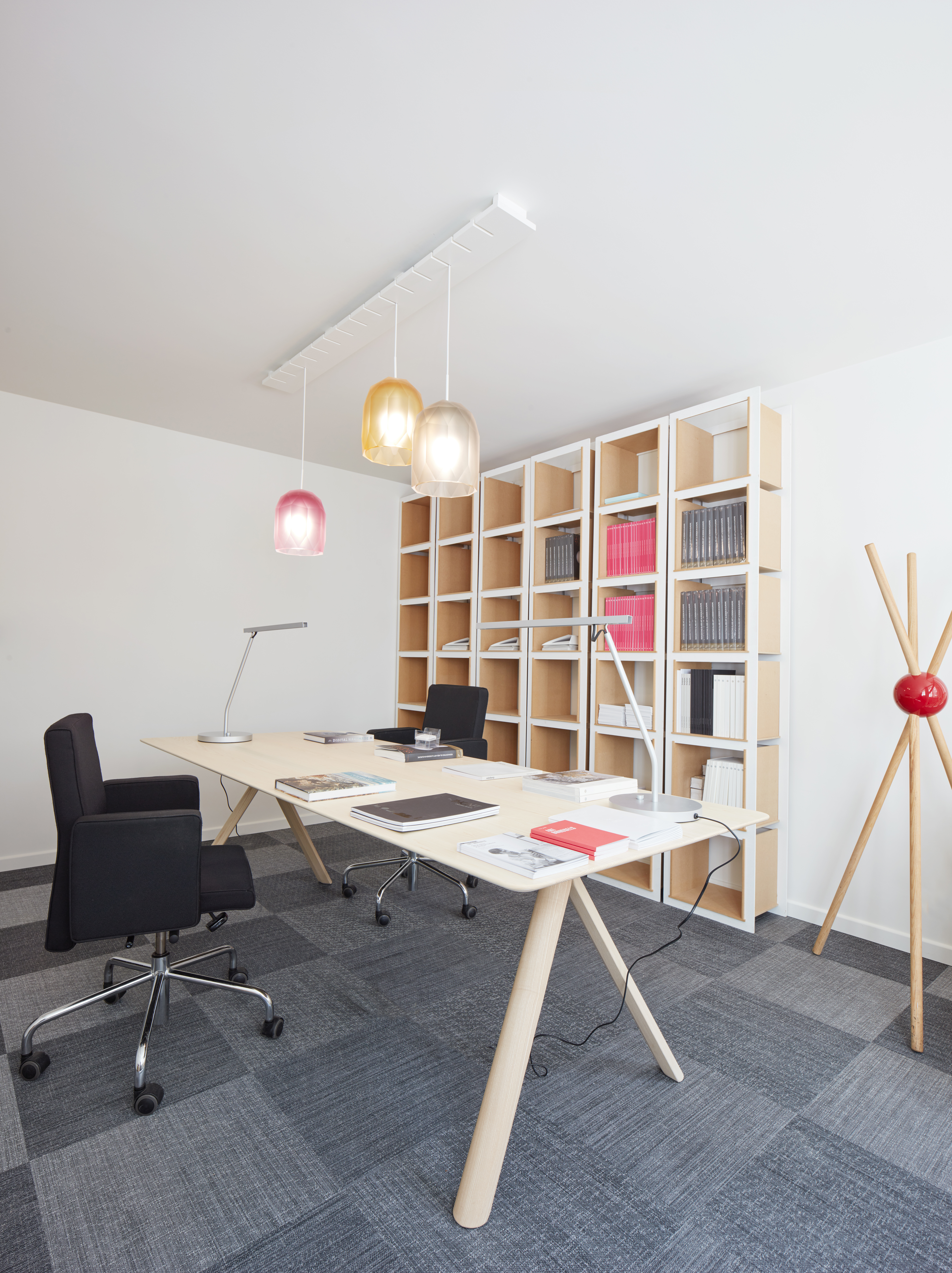 Pro Materia & TLmag Office in Brussels, photo by Jörg Bräuer, Courtesy Piano Nobile Applied Arts