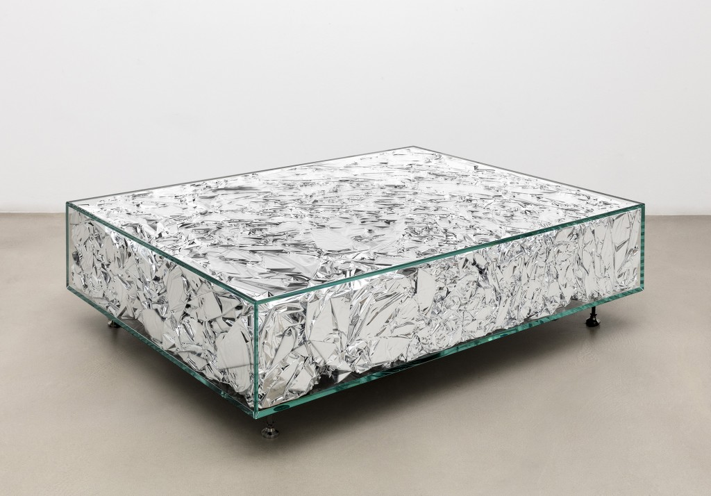 Parachute table. Glass, stainless steel, kelvalite. Size 1000 x 1300 x 340 mm.
