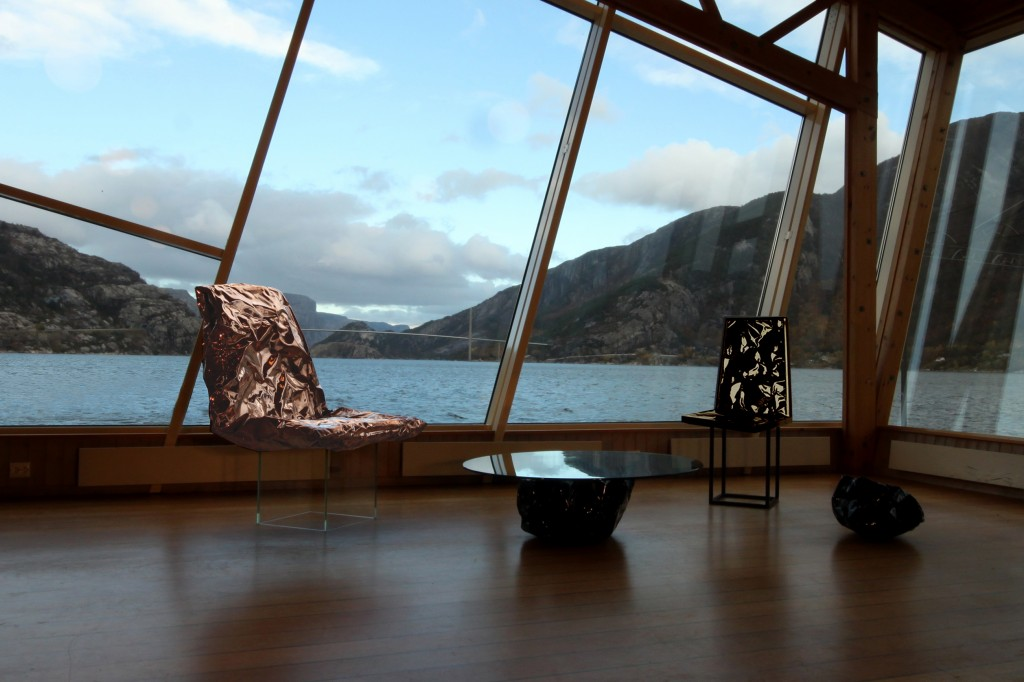 Reshaping Reality set in-front of Norway's Fjordic landscape