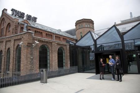 Oslo School of Art _ Vue extérieure avec Jörn Mortensen + Hege Henriksen + Lise Coirier_PIG2013003G0527-6787