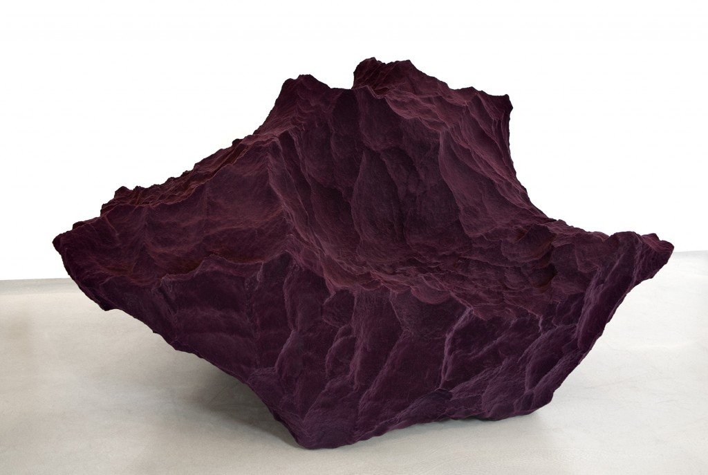 Species 2 sofa. Polyurethane, glass fibre, polyester. Size 1200 x 1400 x 790 mm.