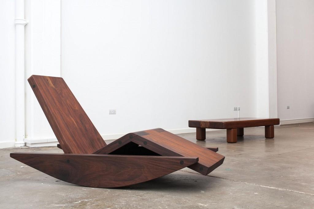 Balanço chaise. Ipê coffee table. Both limited editions.