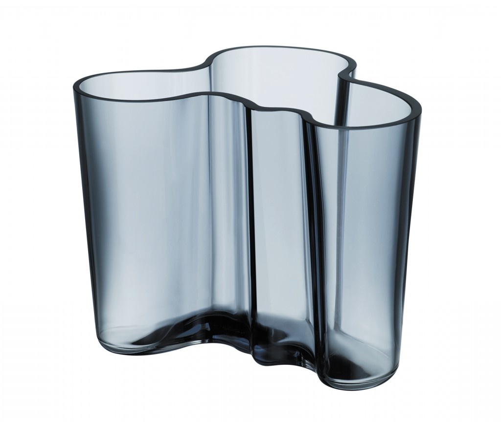 Aalto vase by Alvar and Aino Aalto (1936).