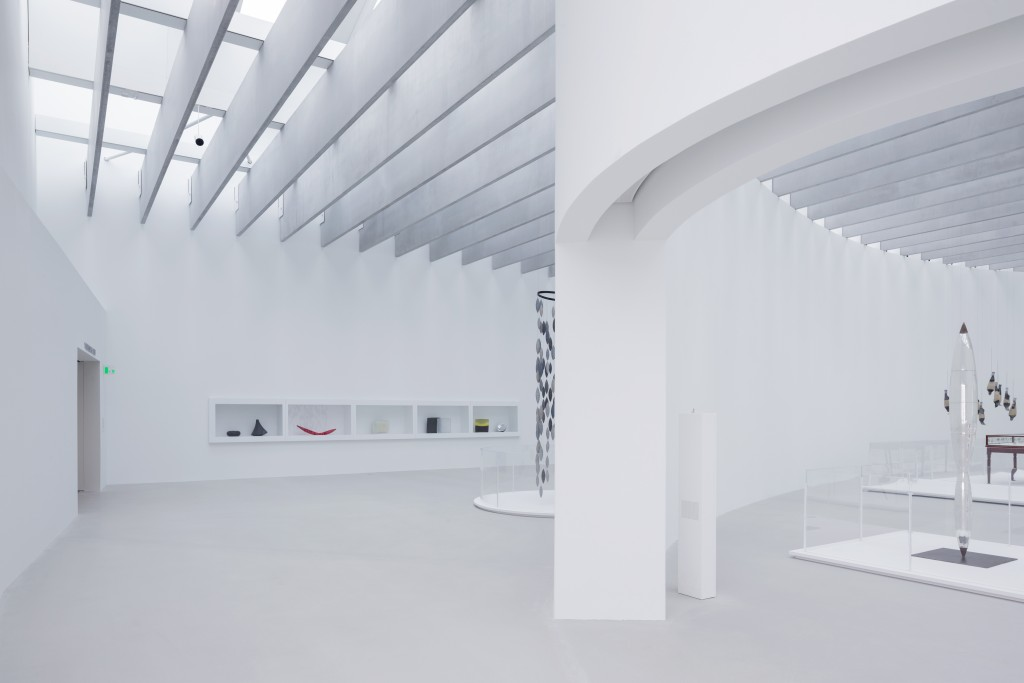 Interior and Collection vies of the new wing . Picture by Iwan Baan, courtesy of The Corning Museum of Glass