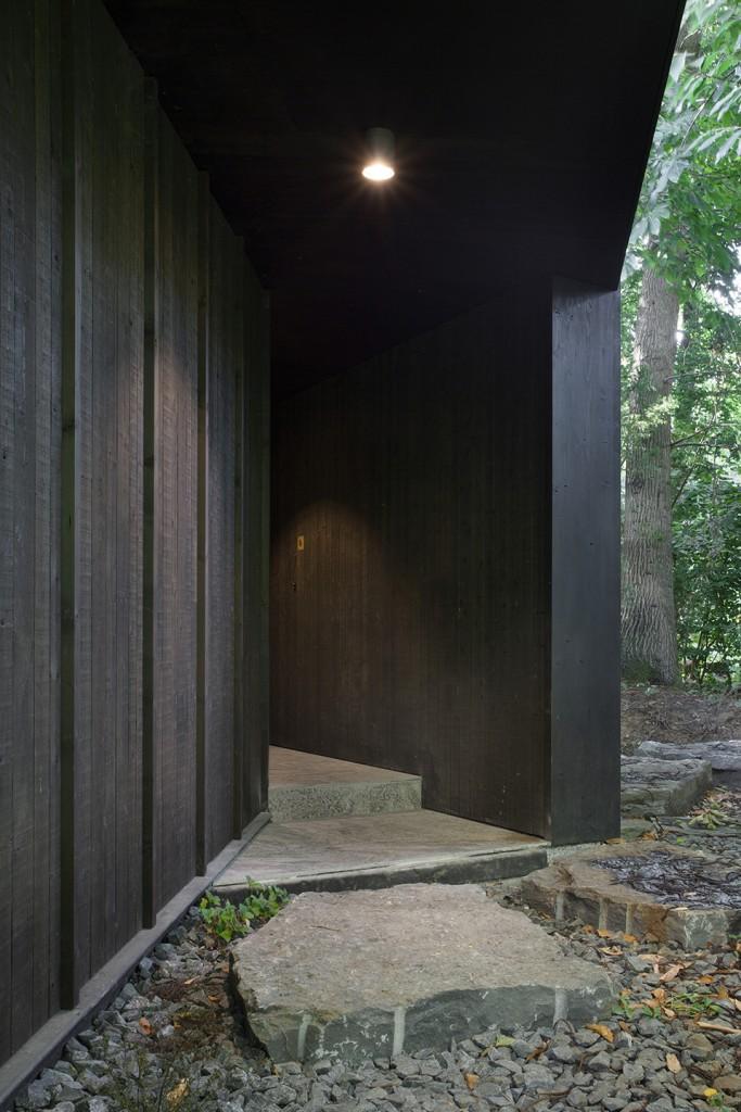 Vers.A: M Garden (2012/2015). Pavilion of a private collector. Renaix/Renso, Belgium. Copyright Maxime Delvaux.