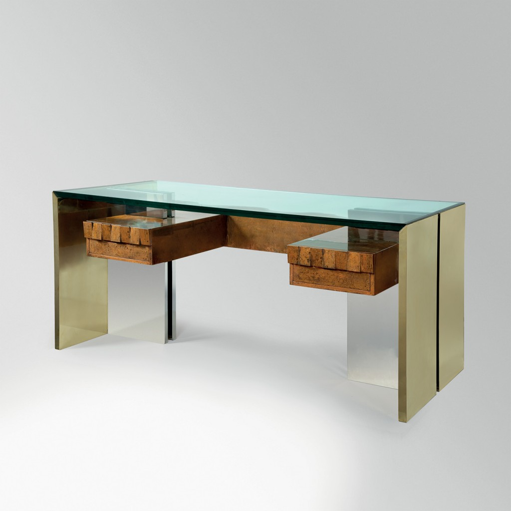 Futur Antérieur Gallery. Angolometallarte: Desk (circa 1975). Steel, brass, lacquered wood, glass. Size 80 x 180 x 78 cm.