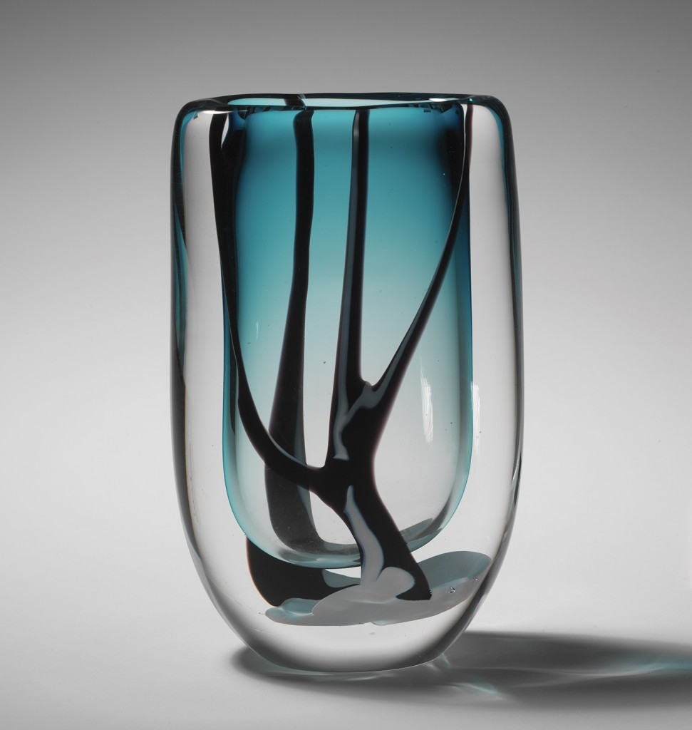 Vicke Lindstrand: Winter Vase (1951–52). Produced by Kosta Glassworks.