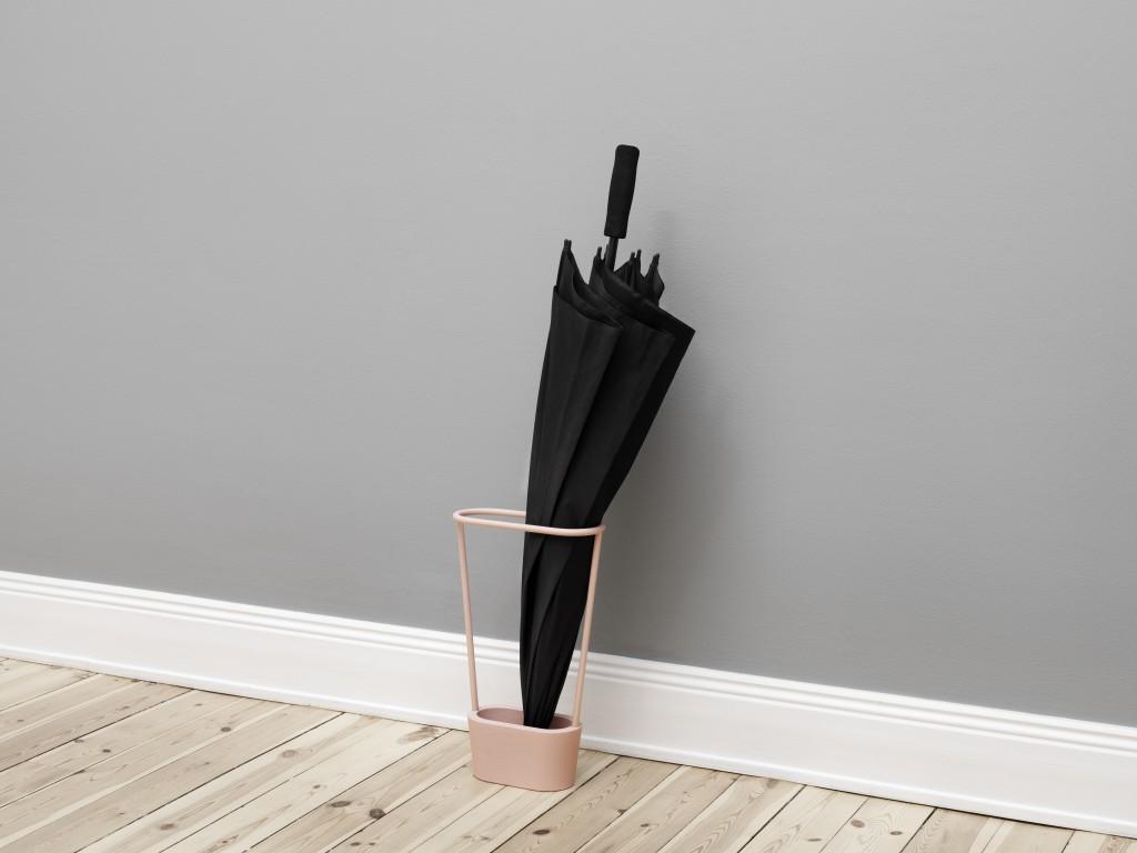 Hoop by Mika Tolvanen, Steel - cast iron, W25 x H40 x D10.5