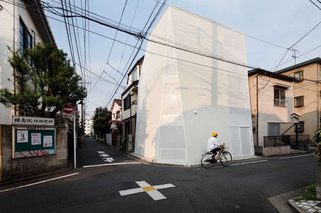 Tokyo, September 7 2012 - House Tokyo by A.L.X.
