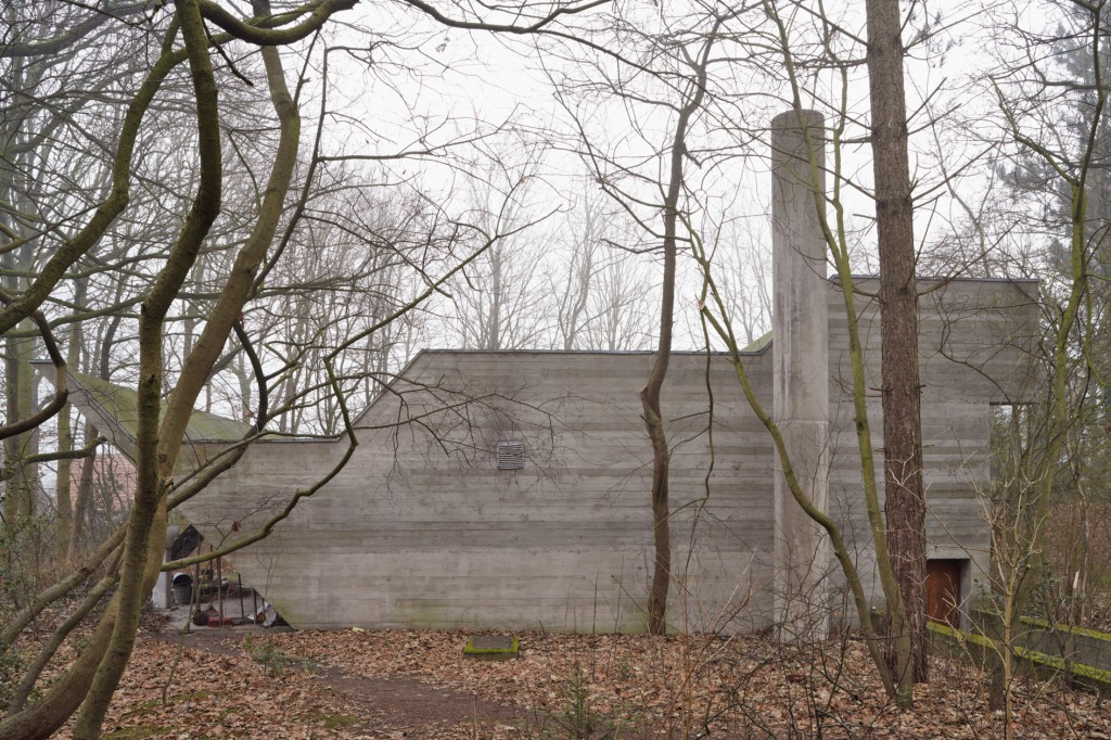 Maniera invited Jonathan Muecke to the Van Wassenhove House, designed by Juliaan Lampens in 1973.