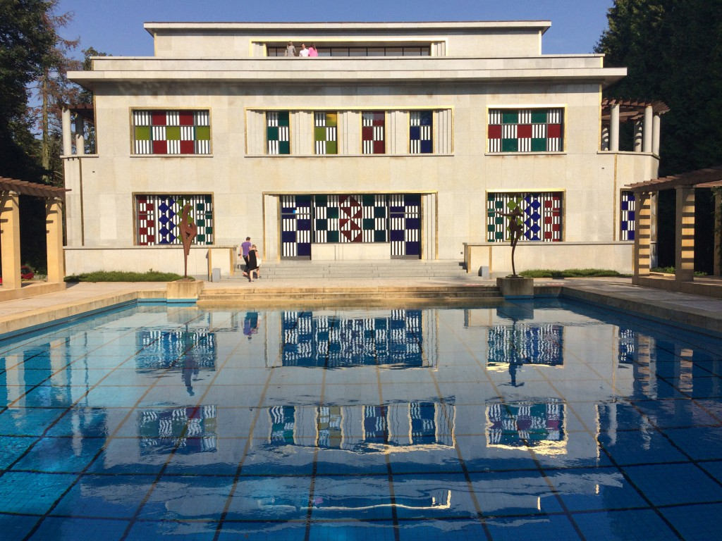 Villa Empain, back façade: Daniel Buren - Entrelacer (2016), work in situ. Photo courtesy Boghossian Foundation/Villa Empain.