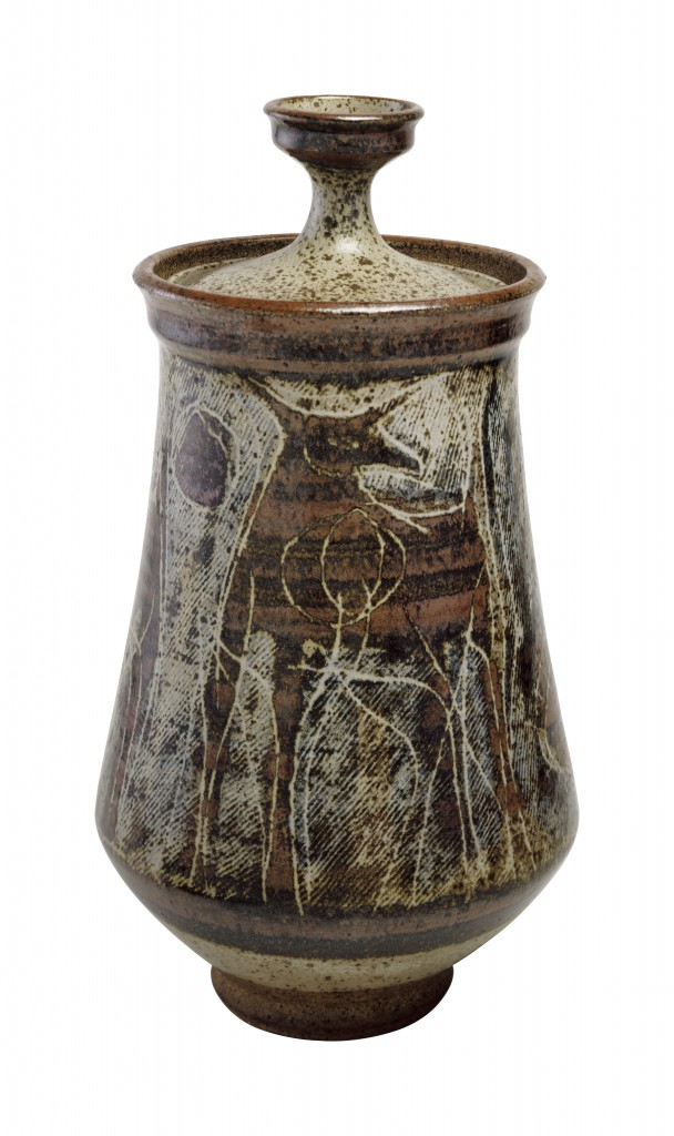 Covered Jar (1953), Museum of Arts and Design, gift of Aileen Osborn Webb, through the American Craft Council, 1967, Photo: Eva Heyd, courtesy of the Museum of Arts and Design