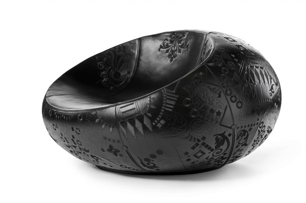 Odjurss äte Murmur (Dark Version), 2016. Faux leather, embroidery, wood, foam. Marcel Wanders.