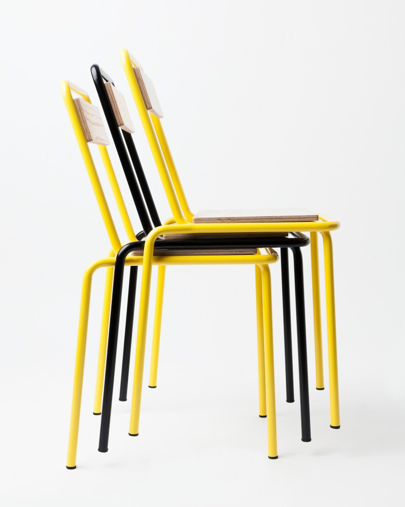 Chair 04 from Gamme 02. Bent and welded tubular steel. Oak or ash veneered wood panel