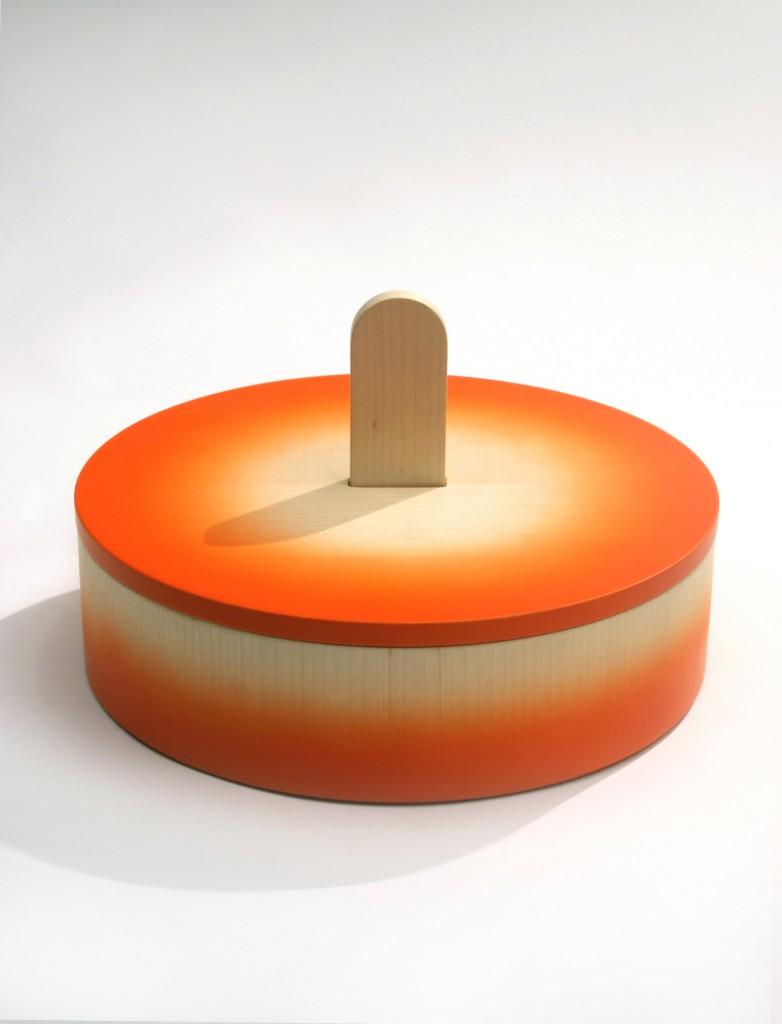 Oggetti Lenti Scatola 9 lacquered wood box with Joachim Jirou-Najou for Design Gallery Milano (2005). Photo: Ilvio Gallo