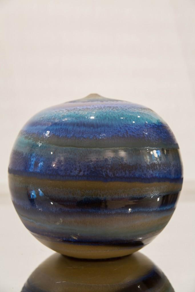 Pot bleu: dimensions 28 x 100 cm / 2010