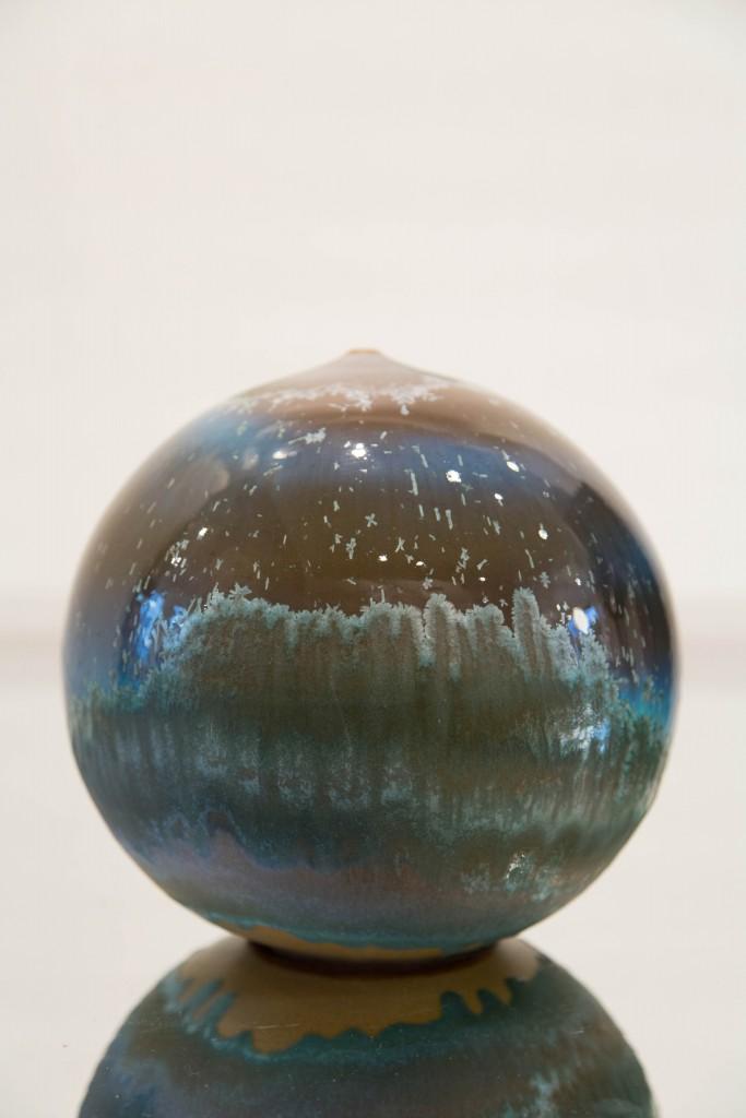 Pot bleu: dimensions 22 x 72 cm / 2010