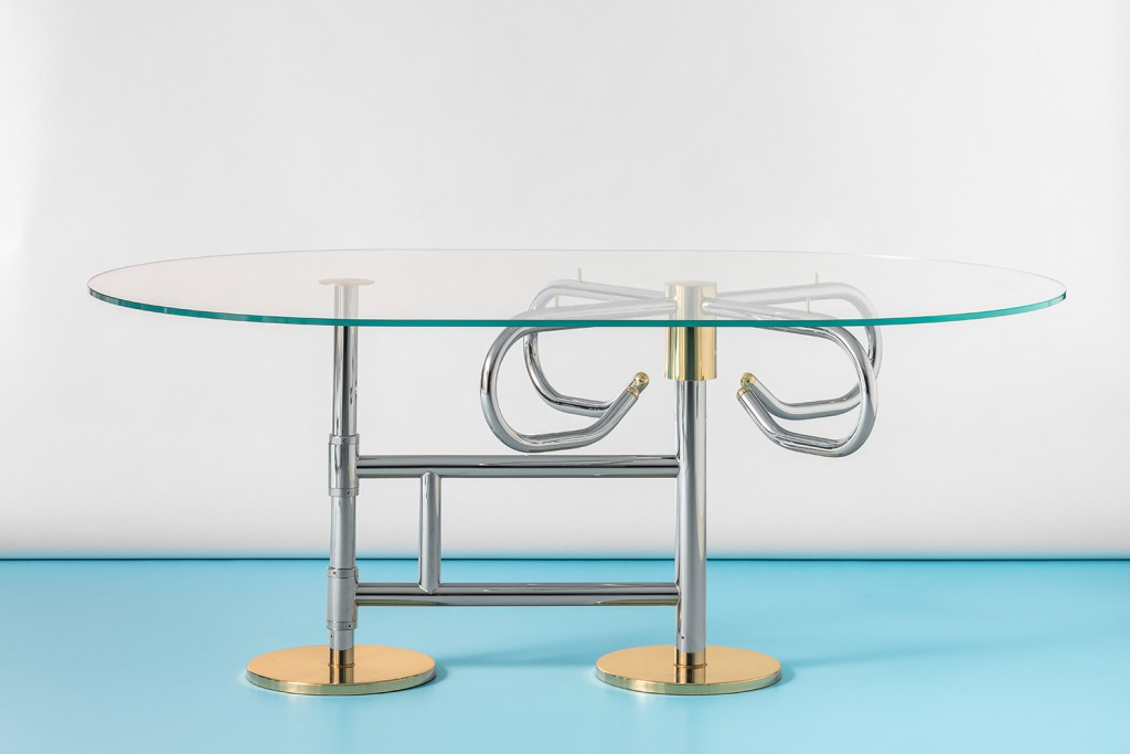 Tornello, table with structure in chrome plated steel, details in polished brass and ultra-white glass top, 2017. Photo: Delfino Sisto Legnani.