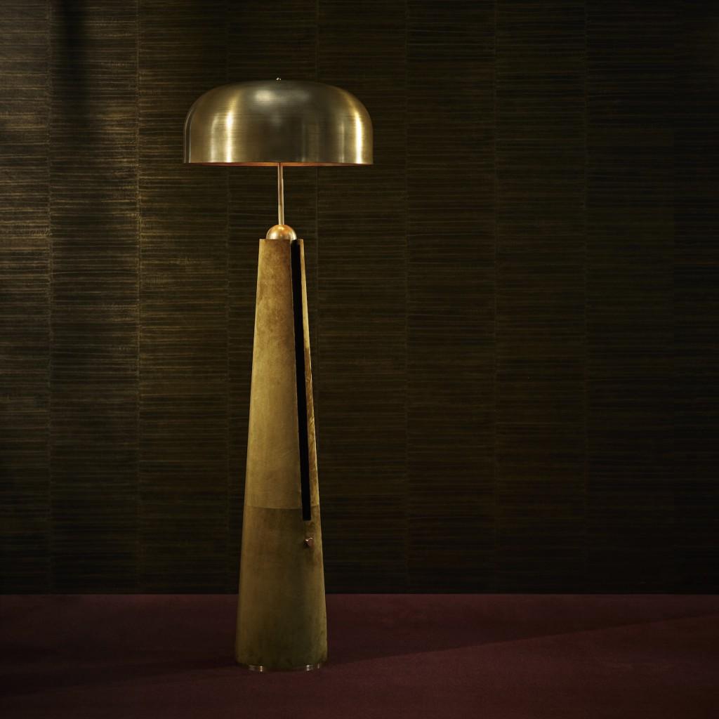 APPARATUS - METRONOME FLOOR LAMP
