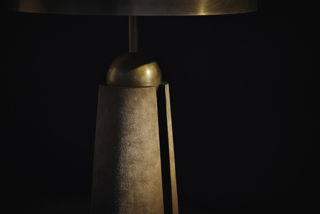 APPARATUS - METRONOME TABLE LAMP - DETAIL