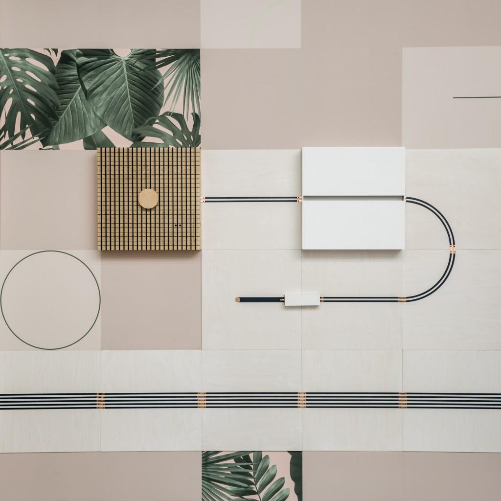 Flavor Paper + UM Project// CONDUCT// Conductive Wallpaper// 2017// © Francis Dzikowski/OTTO
