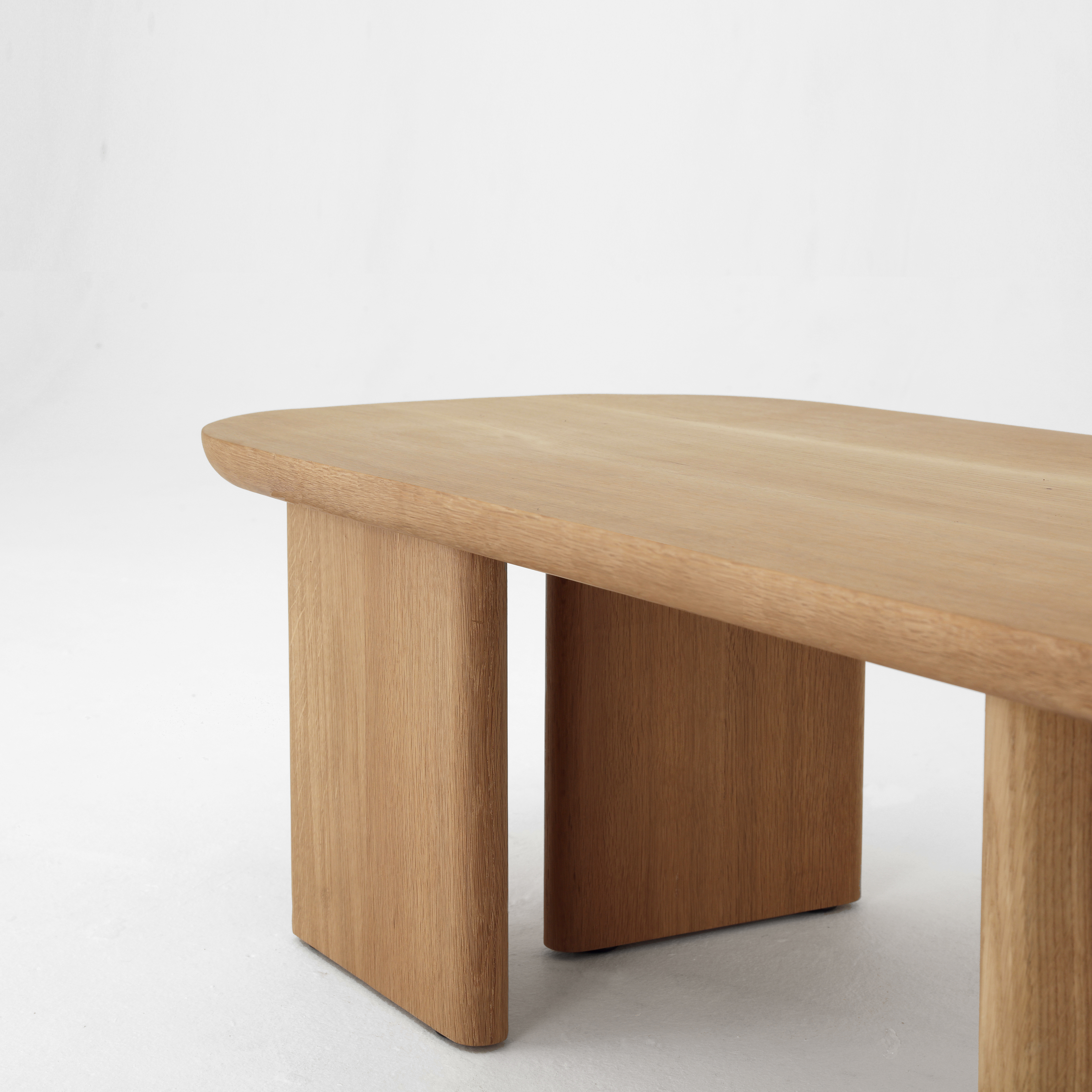 Classon Table