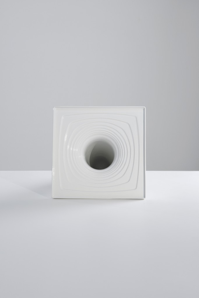 Water by Toan Nguyen SaphirKeramik, plaster mould produced from a shaped model, cast by hand, glazed and sintered, 50 × 35 × 35 cm