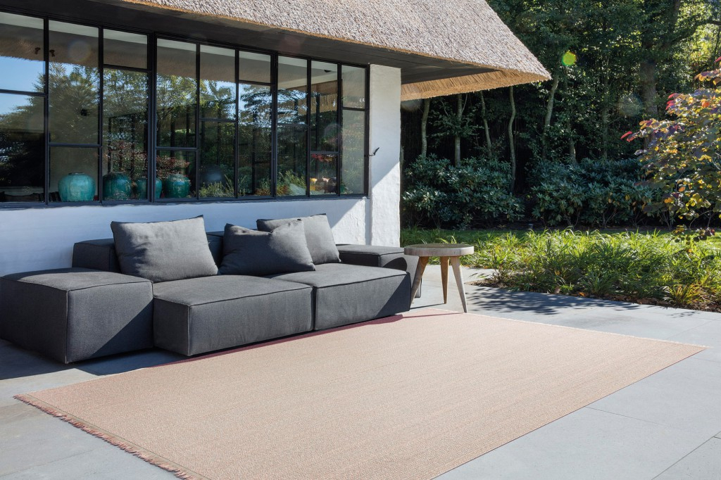 Outdoor rug, Poolside, in 'Peach Bloom', 90% vinyl, 10% glass fibre Artisanal assembly