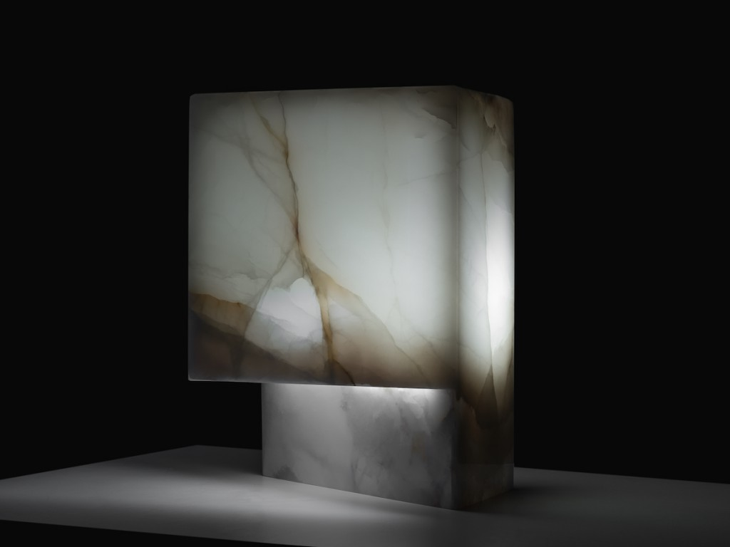 Heart of Gold, a table lamp in pale green onyx