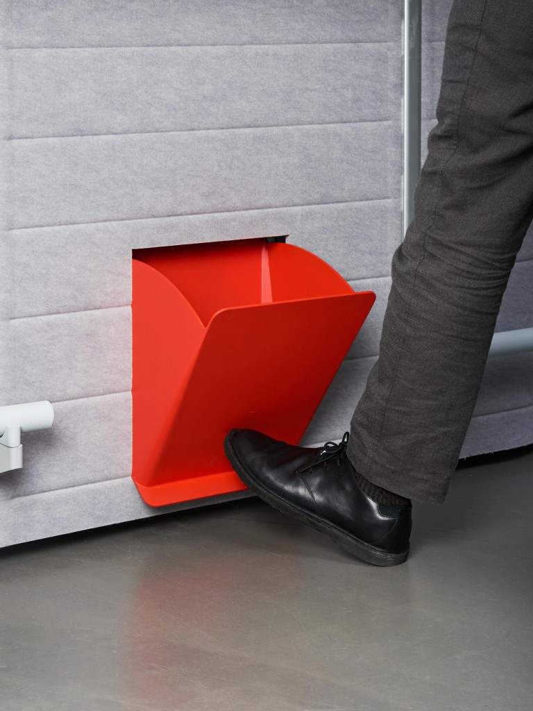 In & Out Bin by Yeyeon Park. As it is directly fitted into the Workbays felt walls, this bin system saves on floor space and allows the user to access the bin from either inside or outside the unit.