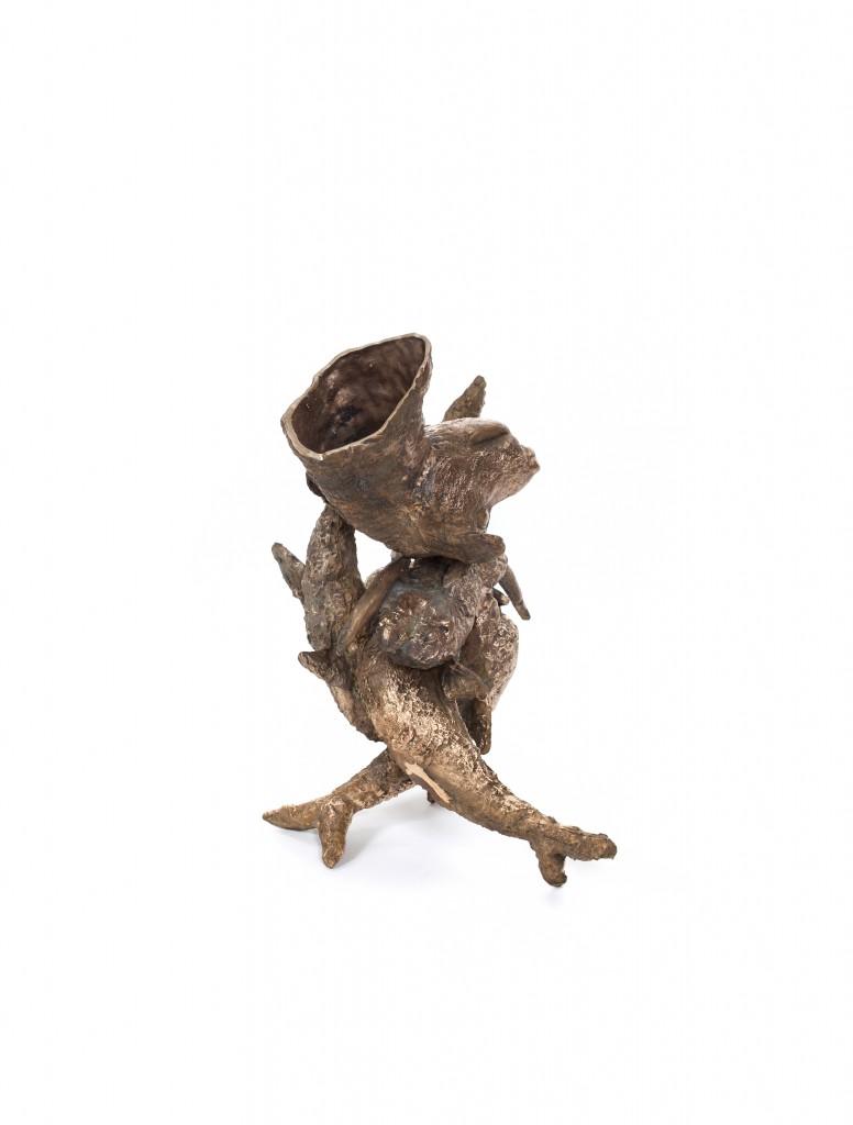 Noah Vase, Cast bronze, 125.5 x 53 x 51 cm, Photo: Fernando Laszlo