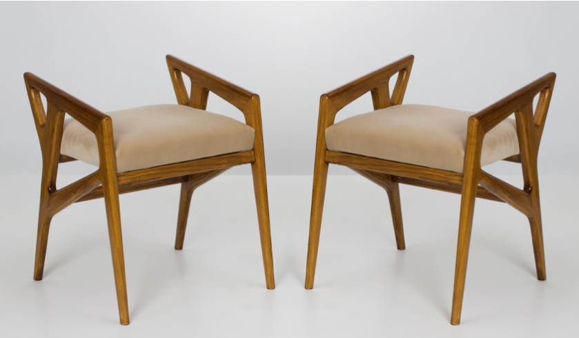 Pair of stools by Giò Ponti, Galleria Rossella Colombari