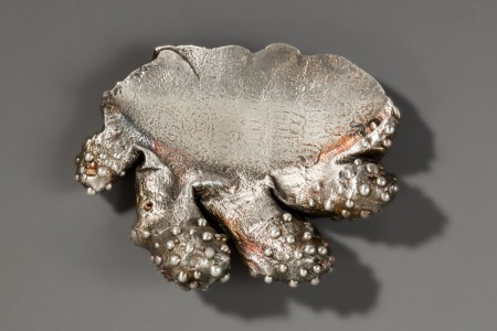 Sam Tho Duong; Ginger Brooch from the Ginger Series, 2004; Electroformed silver; H x W x D: 4.8 × 6.4 × 2 cm (1 3/4 × 2 1/4 × 1 in.); The Susan Grant Lewin Collection, Cooper Hewitt, Smithsonian Design Museum; Photo: Matt Flynn © Smithsonian Institution