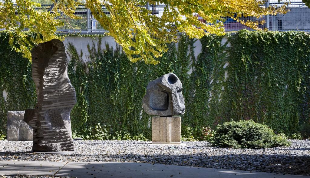Sculpture Garden : Squares, 1969, granit